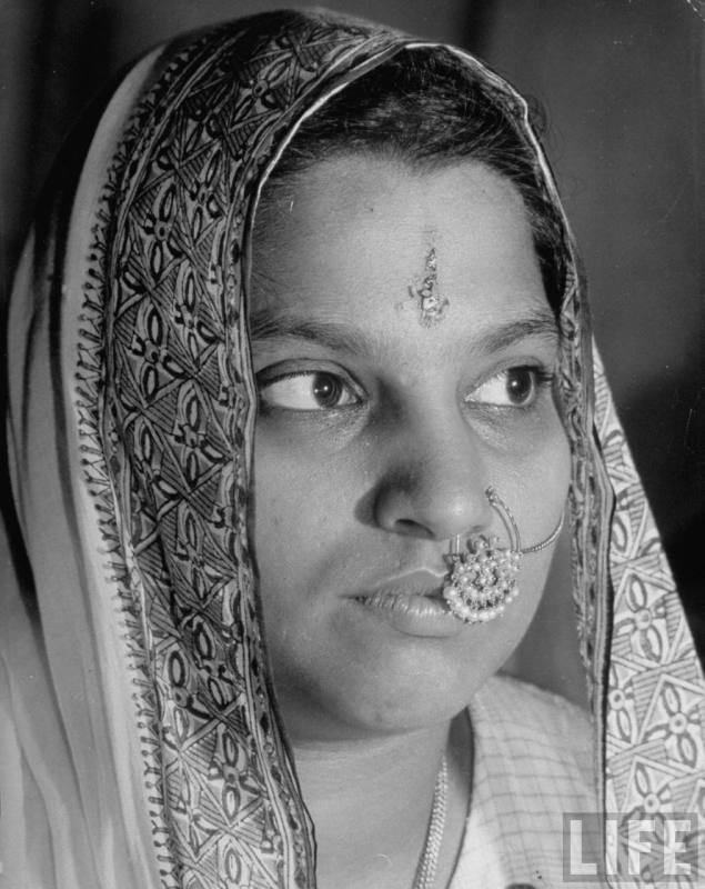 1946 - Portrait of a woman of the Hindu faith, wearing head dress & with ornamental ring in her pierced nose - 1946