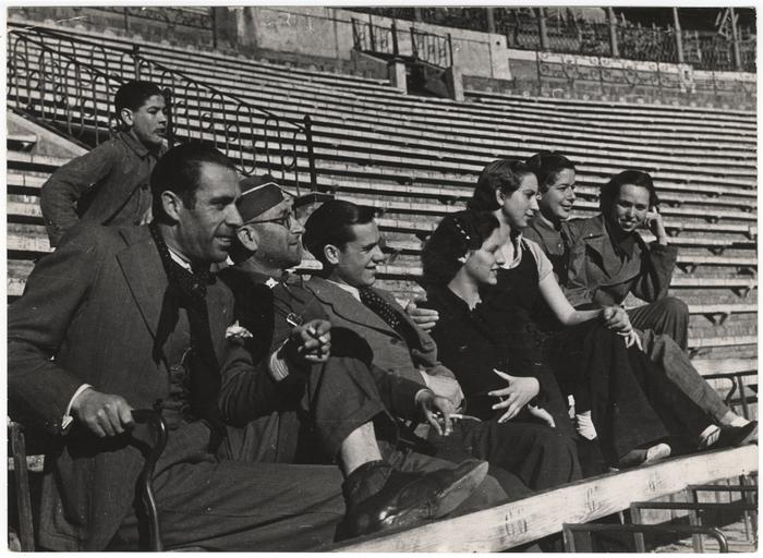 Recrutamento e treinamento de pessoas. Espanha, 1937
