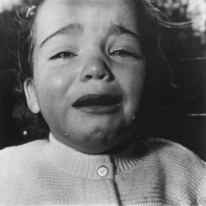 00 1967-diane-arbus-enfant-en-pleurs-new-jersey2