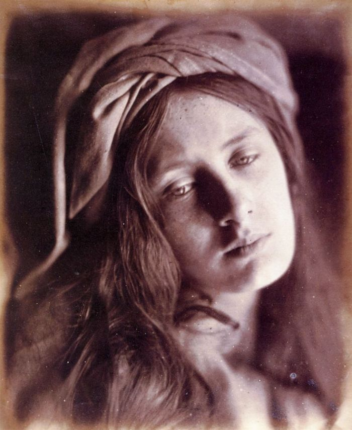 736px-Study_of_Beatrice_Cenci,_by_Julia_Margaret_Cameron