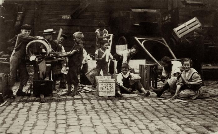 Crianças de uma favela de Nova York, 1910