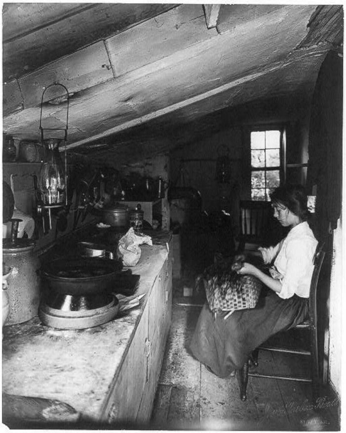 Uma mulher chamada Evelyn sentada, 1909