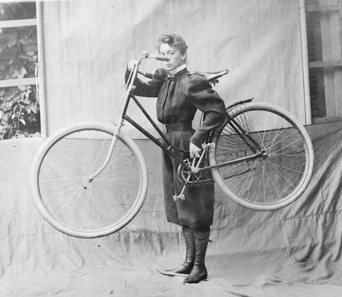 Carrying the Bicycle 1896