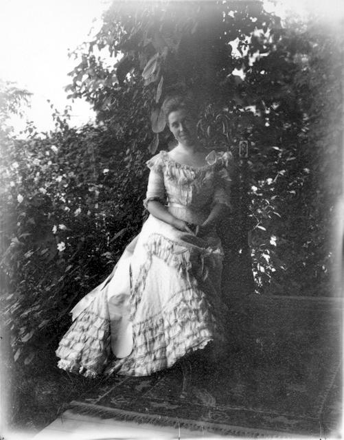 Gertrude-Tate_1900
